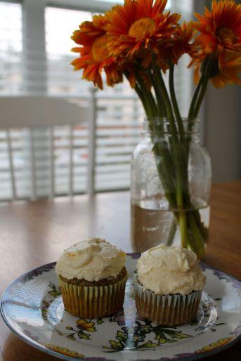 Cupcakes & Flowers