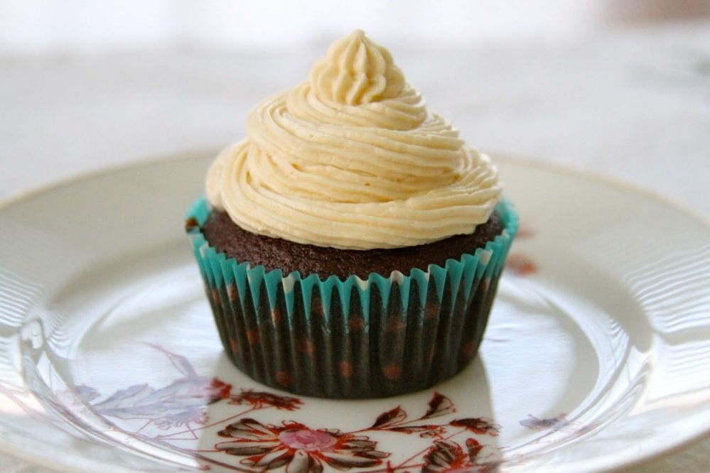 Chocolate Stout Cupcakes with Kahlua Buttercream Frosting (1/2)
