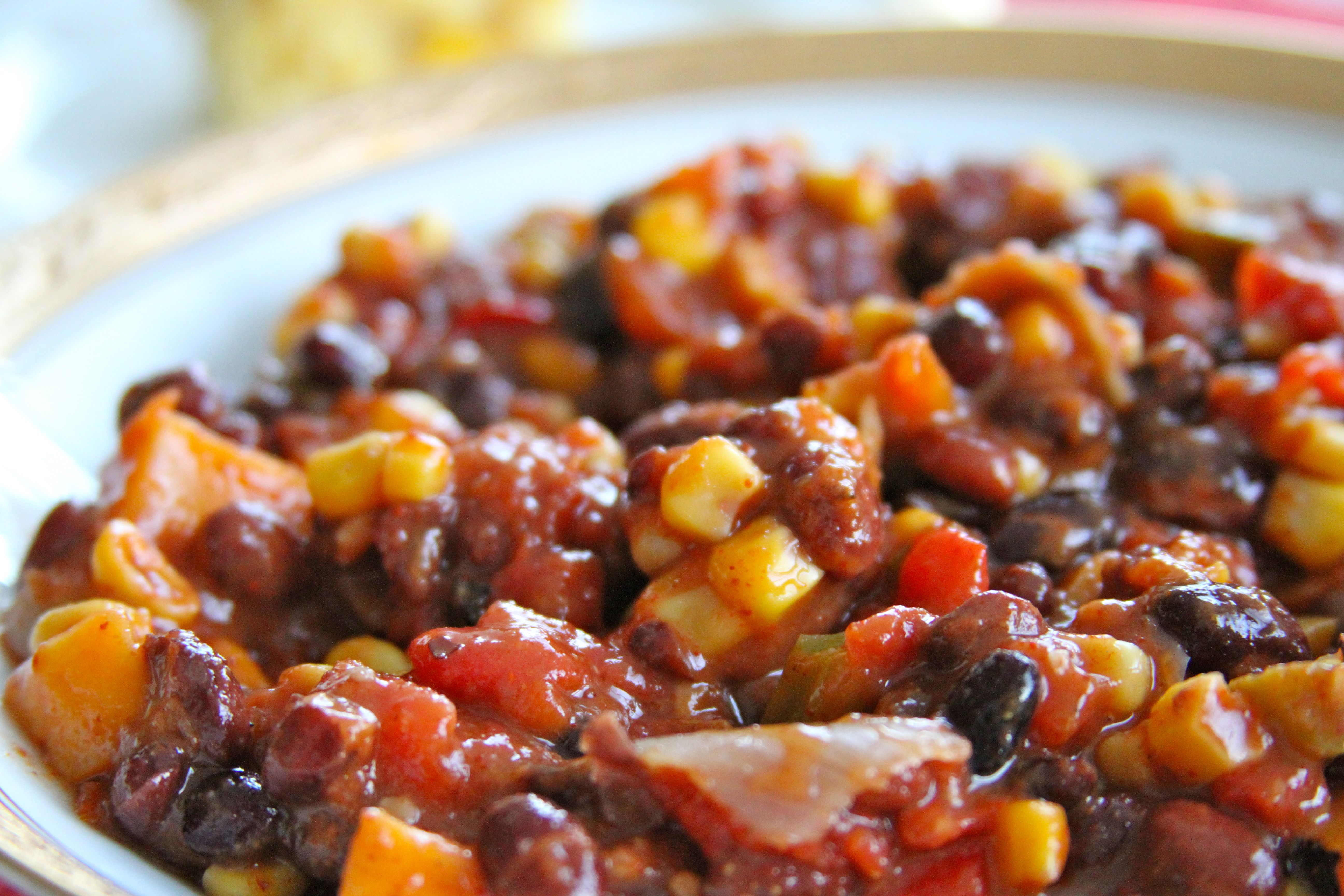 Southwestern Vegetarian Chili & Double Cornbread | Wine & Plum