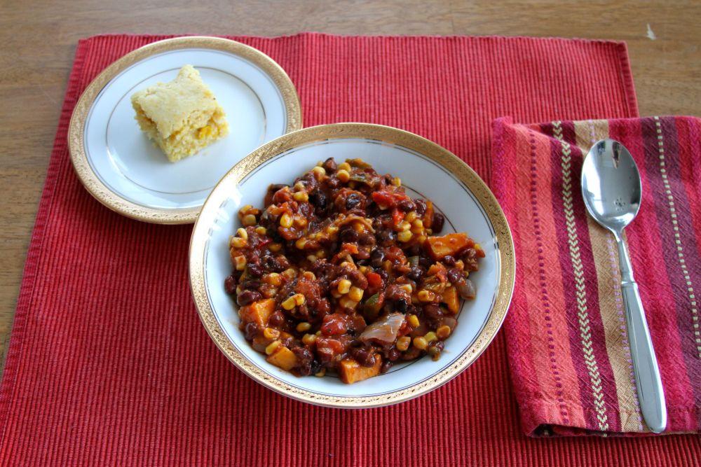 Southwestern Vegetarian Chili & Double Cornbread (4/4)
